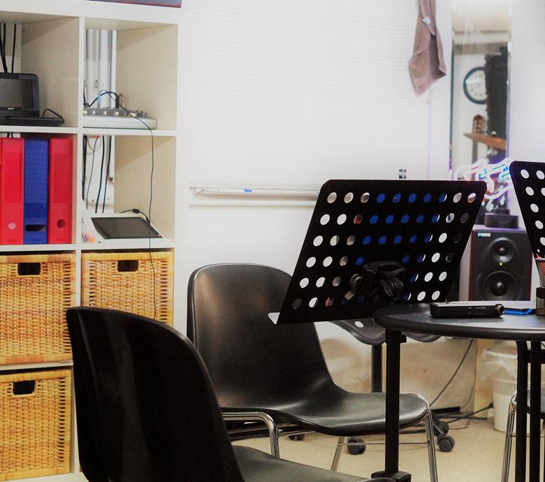 studio1_1b